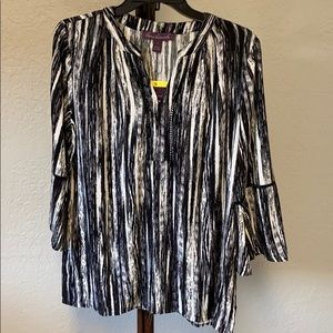 NWT Gloria Vanderbilt V neck blouse fan sleeves